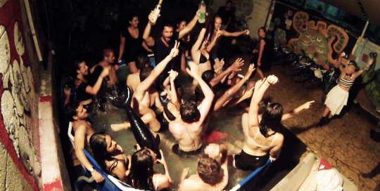 overstay tel aviv hostel rooftop swimming pool