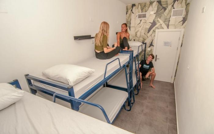 overstay jaffa hostel room image